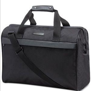 Sean John Handbags - 🎉🎉😍BRAND NEW!! SEAN JOHN DUFFLE BAG 💼