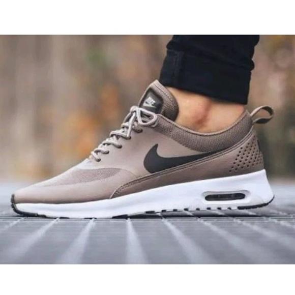 sports shoes 6e00e 19364 Nike air max Thea rare dark storm desert tan. M 5895dbe6bcd4a7978800185c