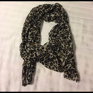 Tan and black leopard print scarf