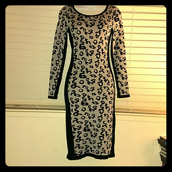 Dresses & Skirts - *Leopard Body Con Sweater Dress!*