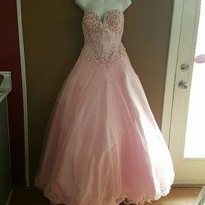 Tony Bowls Dresses & Skirts - Tony Bowls Le Gala pink ballgown size 8