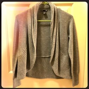 H&M Sweaters - ⚡️2 Day Sale⚡️Versatile H&M Gray Sweater