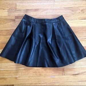 NWOT Forever 21 Black Leather Pleated Skirt Sz M