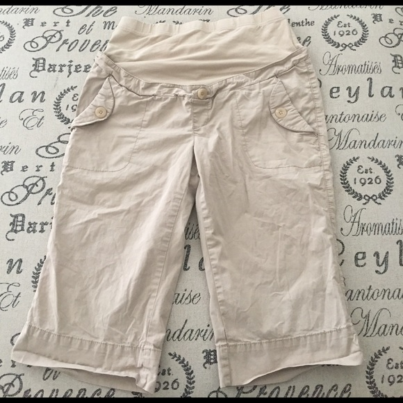 Old Navy Shorts - Maternity Bermuda khaki shorts size medium