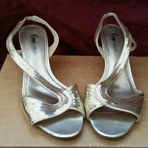 FIONI Clothing Shoes - Golden Glamour Sequin Kitten Heels Retro