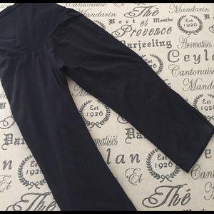 Maternity leggings short length size medium