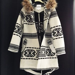 BB Dakota Aztec Coat XS NWT