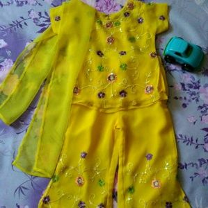 Other - 🎉🎉Kids Bollywood yellow party dress.🎉🎉