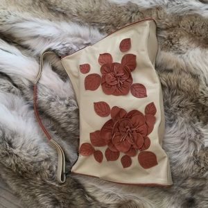 Bloomingdale's tan/cognac leather purse w/ flowers