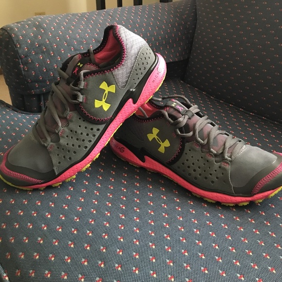 NEW MENS UNDER ARMOUR MICRO G MANTIS 2~4D FOAM SNEAKERS~SHOES~SIZE 8