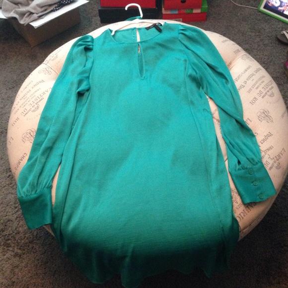 Bcbg green long sleeve dress