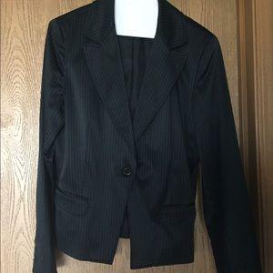 Kenneth Cole Jackets & Blazers - Kenneth Cole Black/White Pinstripe Blazer, Size 10