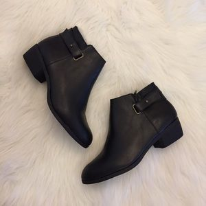 •new• Sasha Black Ankle Boots