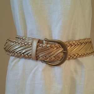 Linea Pelle Accessories - Chunky gold belt