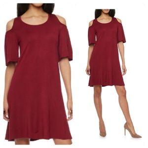 Dresses & Skirts - Cut shoulder Dress
