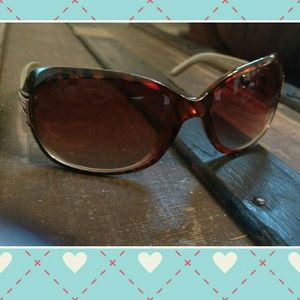 Foster Grant Accessories - nwot foster grant sunglasses
