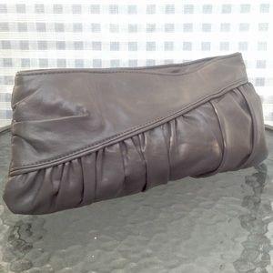 Lulu Handbags - 🎀STUNNING GREY CLUTCH IN EUC BY LULU🎀