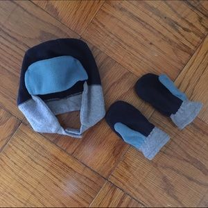 Old Navy Other - Hat & mittens