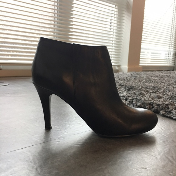 Audrey Brooke Ankle Boots Dsw