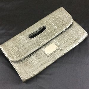 Nine West Handbags - Silver pewter Nine West clutch
