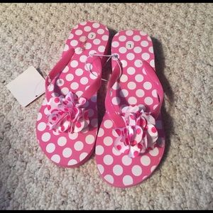 Other - New kids pink and white flip flops size L 10-11)