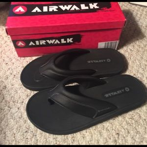 air walk Other - New light wight men flip flops size 9