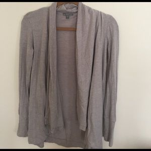 James Perse Sweaters - Cozy and FLATTERING James Perse top