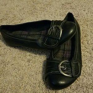 Shoes - Ladies Black Flats