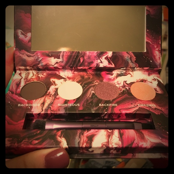 Urban Decay Other - Urban Decay Makeup Pallet