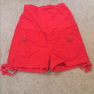 Oh! Mamma Pants - Bright red maternity shorts
