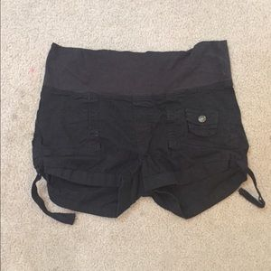 Oh! Mamma Pants - Black maternity shorts