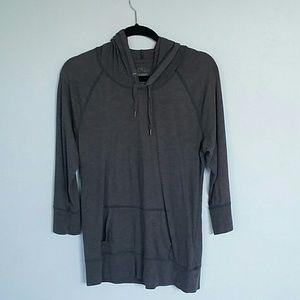 Old Navy Sweaters - Gray Old Navy Sweatshirt