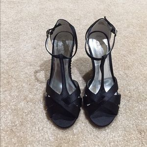Kenneth Cole Reaction Shoes - NWOT Kenneth Cole Reaction Black Wedges