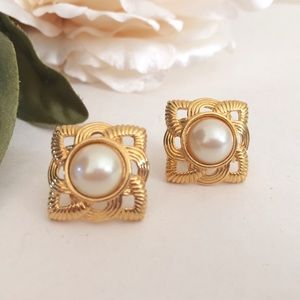 VintageSquare Gold & Pearl Earrings w/ Posts