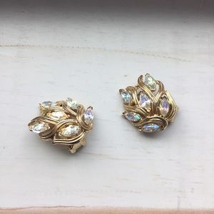 Jewelry - vintage sparkly earrings