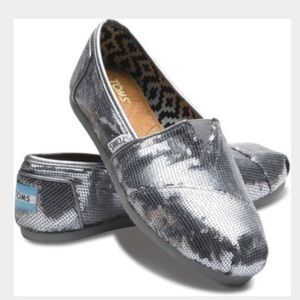 TOMS Shoes - Silver Sequin Toms - Size 6.5
