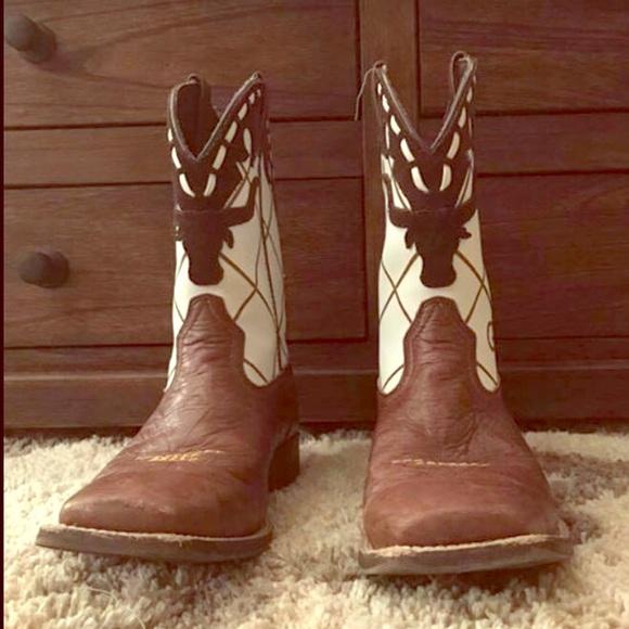 16274edf3d9 Boys ARIAT Dakota Dogger boots