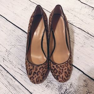Banana Republic Size 7 leopard wedges