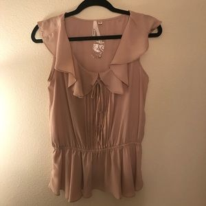 CLOSET CLOSEOUT NWOT cute light peach colored top