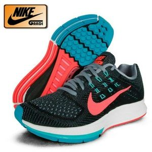 NIKE AIR ZOOM STRUCTURE 18  WMNS SIZE 7.5