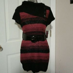 No Boundaries Sweaters - NB Belted Red & Black Tunic Sweater