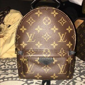 423040083c2f Louis Vuitton Bags -    SOLD ON TRADESY    Louis Vuitton Palm