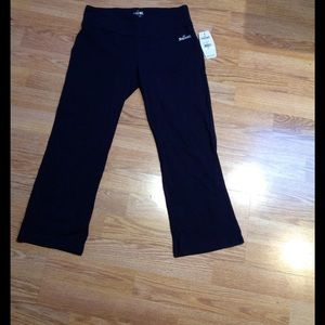 Spalding Pants - Navy Blue Cropped Workout Pant