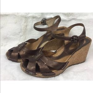 Clarks Artisan strappy sandals wedge size 6.5 EUC