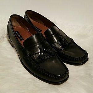 Bostonian  Other - Bostonian Men's Leather Tassel Loafer