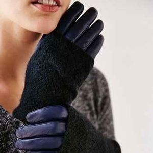 NWOT Fuzzy Knit Leather Gloves