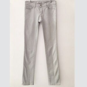✨UNIQLO Skinny Mid-Rise Jeans in Dusty Grey✨