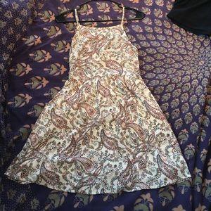 Sadie & Sage Dresses & Skirts - Sadie & Sage Paisley Print Dress