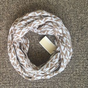 Michael Kors Accessories - NWT Michael Kors Logo Scarf