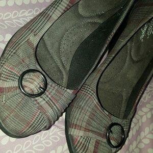 Vera Wang Shoes - Plaid shoes, super comfy